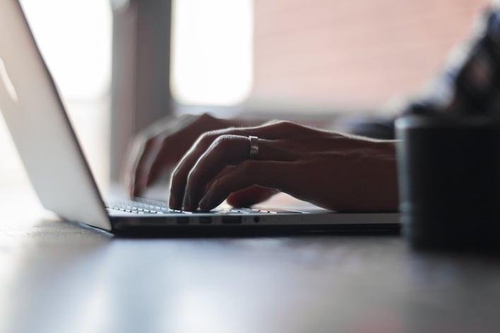 blogging-for-ecommerce-sites.jpg