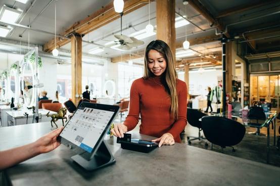 customer-paying