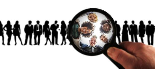 customers-magnifying-glass
