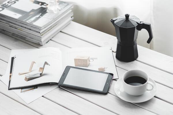 tablet-and-coffee